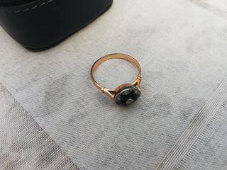anillo vintage. oro zafiros