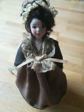 Muñeca porcelana fina artesanal