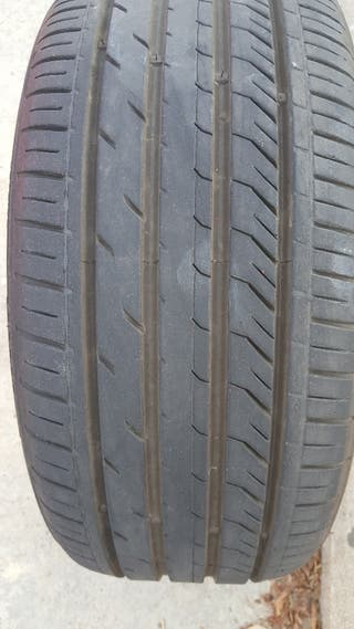 neumático 215 45 17
