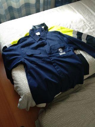 Ropa de trabajo: Camisas, pantalones y chaqueta