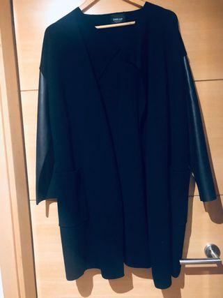 Chaqueta de cuero Zara de segunda mano en Alcobendas en WALLAPOP
