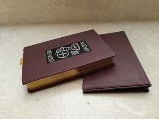 Biblia de comuniante antigua