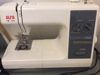 Máquina de coser bordadora Alfa 654