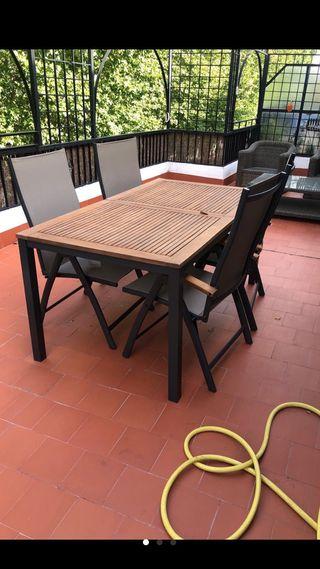Mesa jardín extensible Acacia y 4 sillas plegables