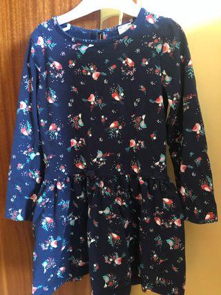 Vestido azul marino estampado.