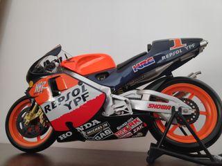 Moto 500 a escala 1/6 Alex Crivillé