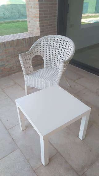 silla de madera blanco