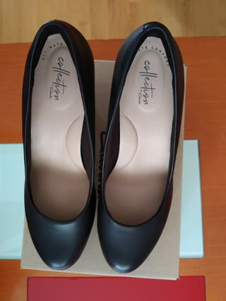"Zapatos de mujer ""Clarks"" talla 40"