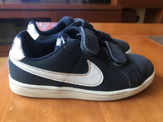 NIKE COURT ROYALE NIÑO