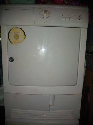 secadora de ropa zanussi
