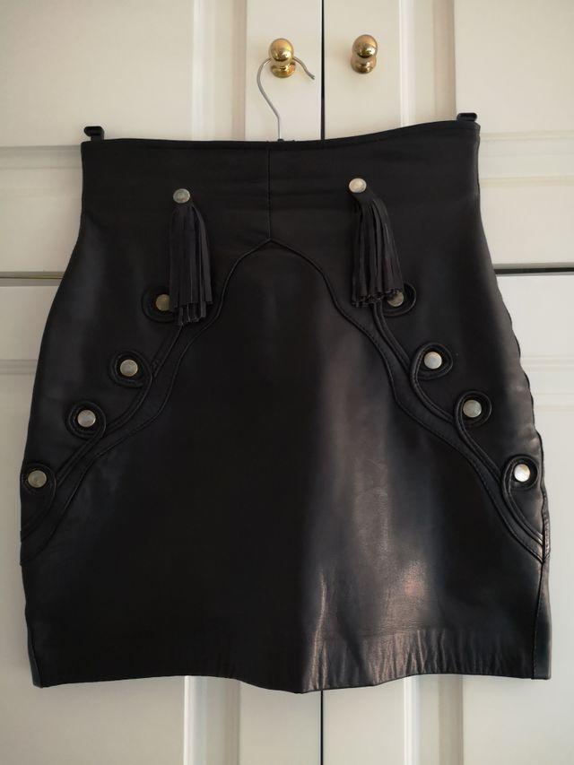 falda de cuero