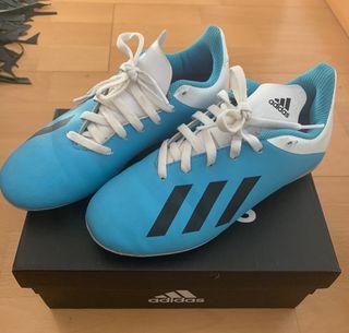 Botas de fútbol de césped artificial