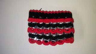 Monederos de ganchillo y chapas hechos a mano
