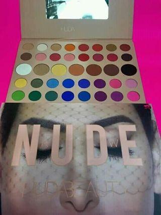 Paleta alta pigmentación Huda beauty