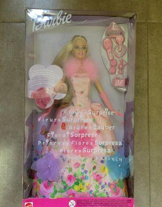 Muñeca Barbie Princesa Flores Sorpresa