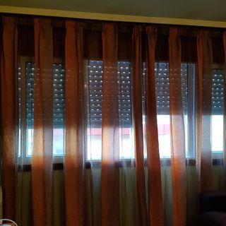 Vendo cortinas en 2 piezas con riel de madera