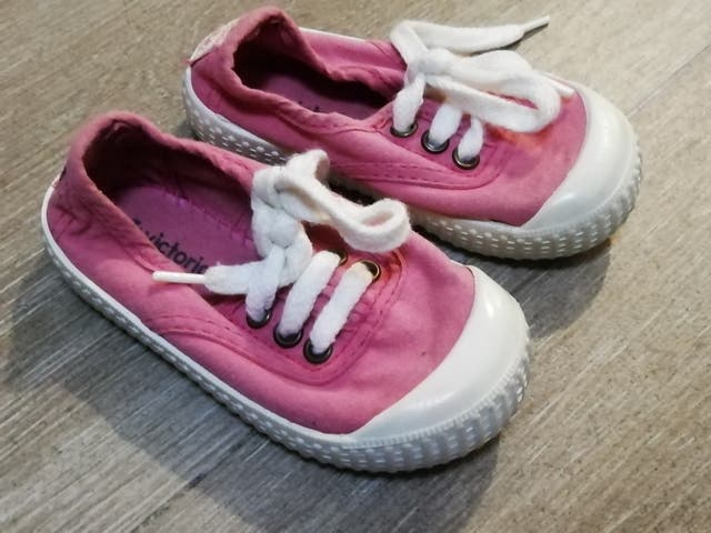 zapatillas para niñas marca victoria talla 21