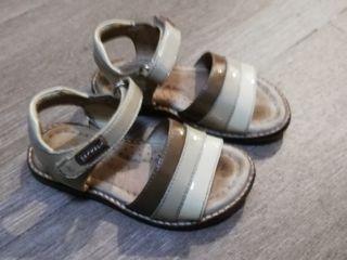 sandalia niña talla 23 marca pablosky