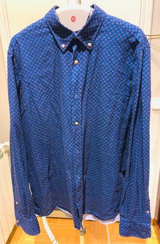 Camisa Massimo Dutti. Estampada Zara