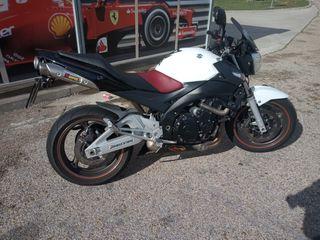 Moto, Suzuki GSR 600 2008