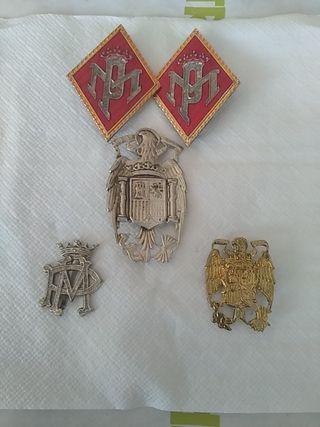 Antiguas insignias militares