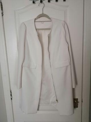 White flawless coat