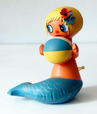 Muñeca sirena hinchable. Original, años 60 - 70.