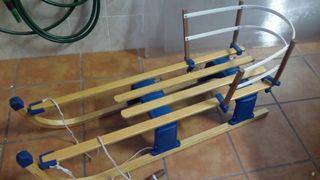 Trineo de madera