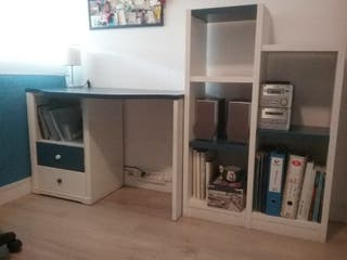 mesa escritorio y estanteria