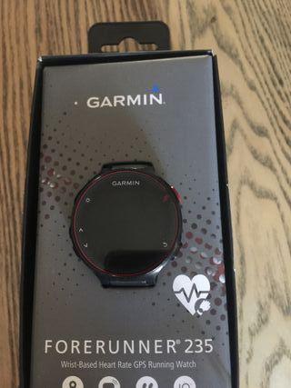 Reloj de actividad Garmin Forerunner 235