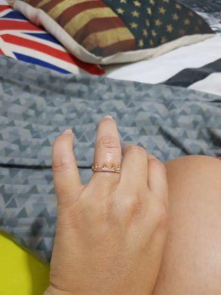 anillo corona rosa de pandora..