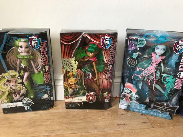 18 boxed monster high dolls