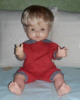 "ANTIGUO MUÑECO DE FAMOSA ""BABY PIS"""