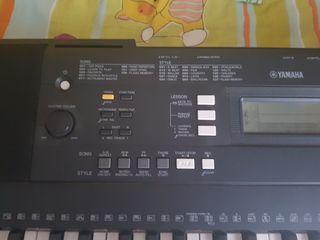 teclado Yamaha buen estado mirar referencias