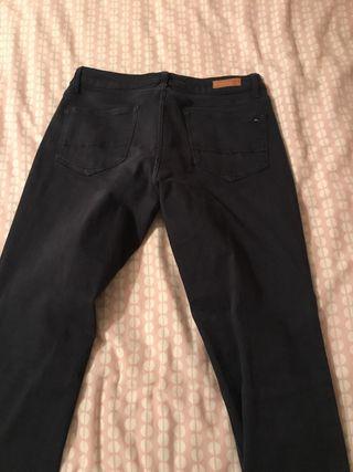 Pantalón tommy hilfiguer