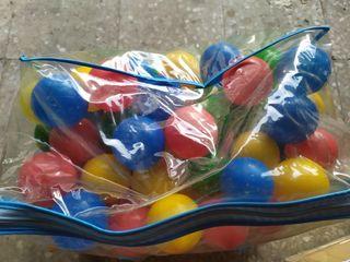 tienda de campaña para niños con pelotas