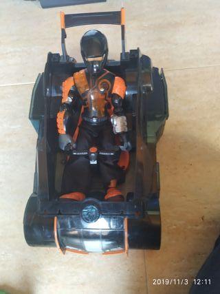 muñeco action Man con coche