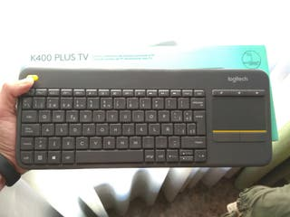 Teclado Logitech K400 Plus TV