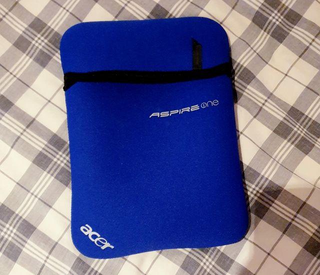 Funda genuina Acer Aspire One D255