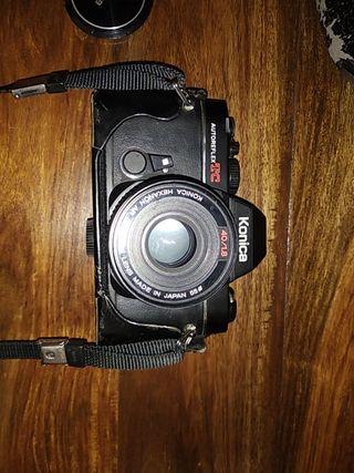 cámara réflex analógica konica