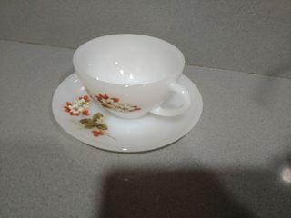 Taza de café con leche y plato ARCOPAL