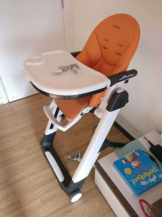 Peg-Perego High Chair for baby. Second hand.