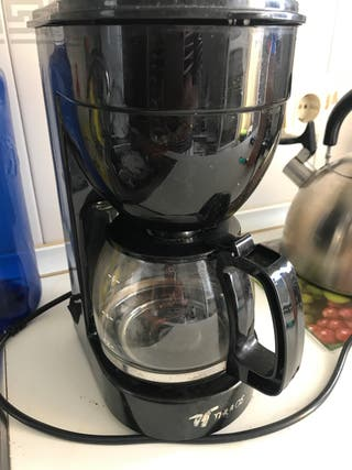 Cafetera eléctrica de filtro.