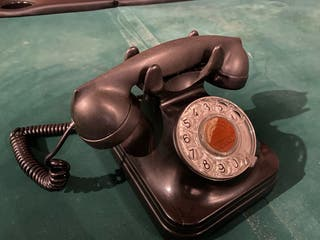 Teléfono baquelita vintage antiguo