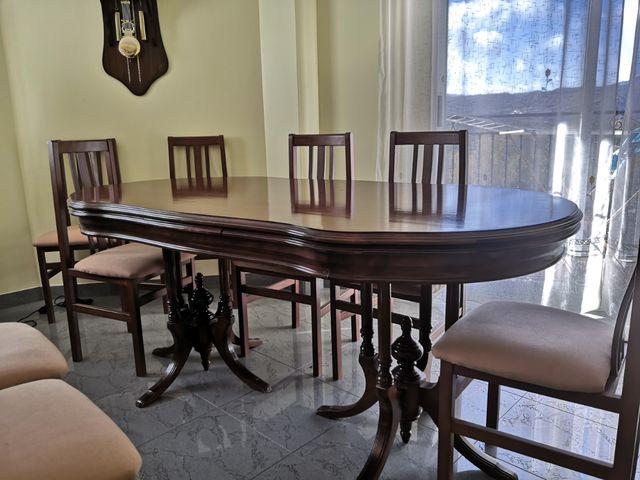 mesa antigua extensible y 8 sillas