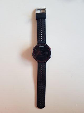 Reloj Garmim Forerunner 235