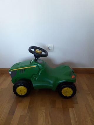 Correpasillos: Tractor
