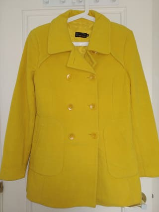 Abrigo amarillo Easy Wear