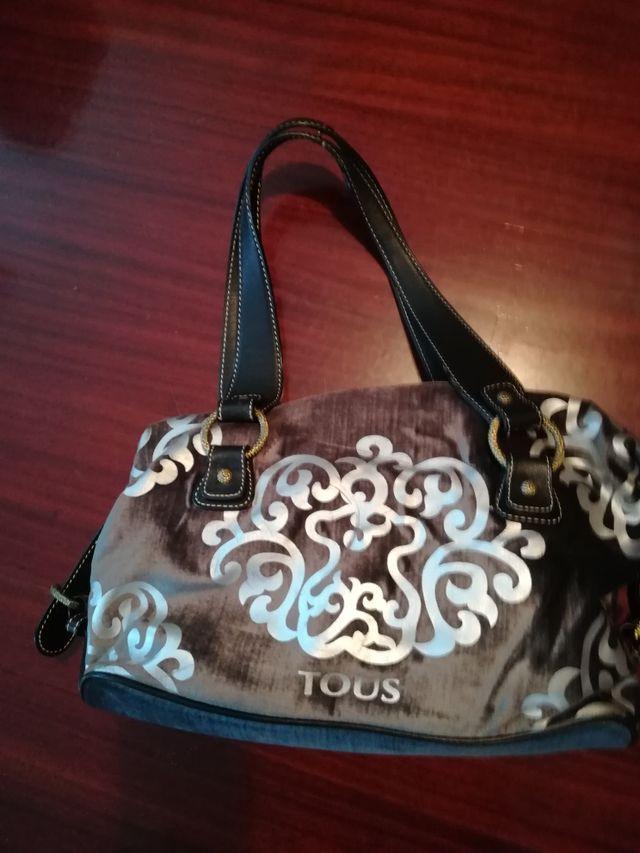 Bolso Tous, de piel y original de la marca.