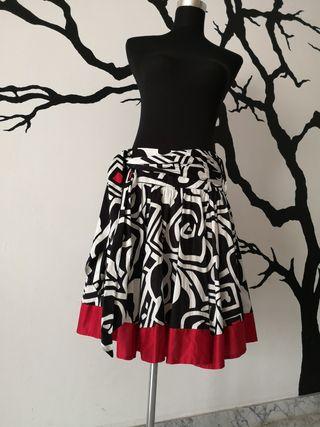 falda mango 36 rojo blanco negro vuelo